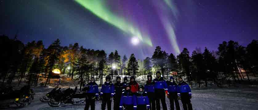 Finland_Saariselka_Muotka-Wilderness-Lodge_northern-lights-activities.jpg